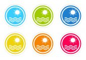 Set of rounded colorful icons with beach symbol — ストック写真