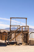 Gallows in a ghost town — Foto Stock