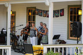 Wicked Sisters performing live at Bella Grace Winery — Stock Photo