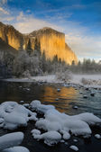 El Capitan from the Merced RIver — Foto de Stock