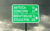 Roadsign in northern California — Stock Photo