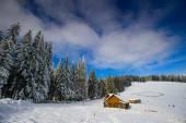 Chata v horách — Stock fotografie