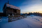 Hütte in den bergen — Stockfoto