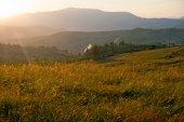 Sunset in mountains — Stockfoto