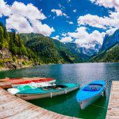 лодка на пирсе — Стоковое фото
