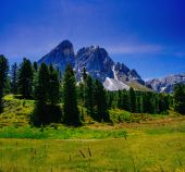 Magnificent mountain scenery of the Alps — Stock Photo