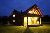 Linda casa em estilo europeu — Fotografia Stock