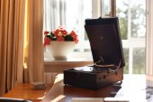 Old phonograph in modern interior — Stock Photo
