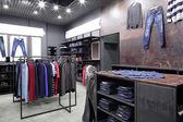 Zupełnie nowe Wnętrze sklepu tkaniny — Zdjęcie stockowe