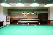 内部的美丽的、 现代化的台球 — 图库照片