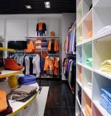 Новый интерьер магазина ткани — Стоковое фото