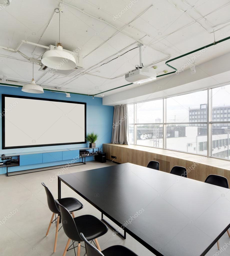 Sala de proyector en elegantes oficinas foto de stock for Oficinas enterprise