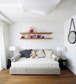 色彩鲜艳的儿童房内部 — 图库照片