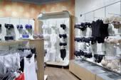 Interior de loja de roupa brilhante — Fotografia Stock