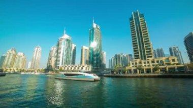Dubai marina day — Vídeo stock