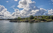 Holiday home in the archipelago  near Lysekil, Sweden — Stock Photo