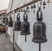 Campanas del templo del monte de oro (wat sakate), bangkok, tailandia — Foto de Stock