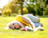 Blonde Girl Outdoor. Beautiful Woman Student with Book — Stock Photo