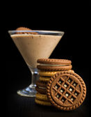 Chocolate mousse with cocoa cookies — Stock Photo