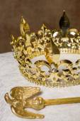 Scepter and crown on pillow — Stock Photo