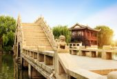 Chinese ancient bridge — Stock Photo