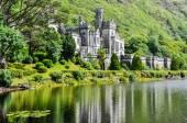 Kylemore Abbey in Connemara, Ireland — Stock Photo