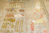 Painting at the temple of Hatshepsut, Luxor (Egypt) — Fotografia Stock