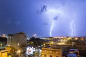 Lighting bolt in the City — Stock Photo