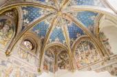 Arruinada capilla dentro de la catedral de toledo — Foto de Stock