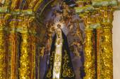 Virgin Mary in gilded chapel — Stok fotoğraf