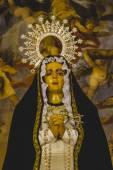 Image of the Virgin Mary in gilded chapel — Stok fotoğraf