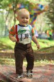 Little boy plaing in park — Stock Photo