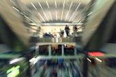 Blurred people in the mall — Foto de Stock