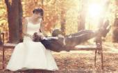 Wedding couple in park — Stock Photo