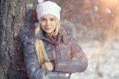Teen girl in winter — Stock Photo