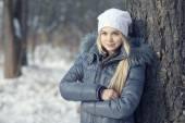 Teen girl in winter — Stock Photo