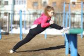 Sportif kız eğitim — Stok fotoğraf