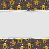 Reindeers in Santa Claus hats messy Christmas winter holidays seamless pattern on dark background with blank torn paper with place for your text horizontal border — Stock Vector