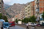 Traffic on a main road in Amasya — Stock Photo