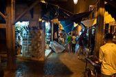 フェズの通り市場の人々 — ストック写真