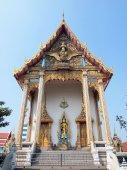 BANGKOK, THAILAND - JANUARY 19 :The Chapel of Wat Klongphum on January 19,2014 in Bangkok, Thailand.  — Zdjęcie stockowe