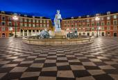Place Massena and Fountain du Soleil at Dawn, Nice, France — Stock Photo