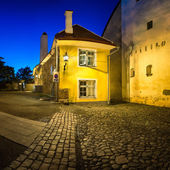 Small Traditional House in the Old Town of Tallinn, Estonia — Stockfoto