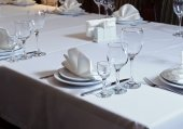 Elegant inredda bord i restaurangen — Stockfoto