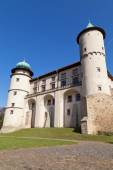 View on castle Nowy Wisnicz in Poland on a background of blue sk — Стоковое фото