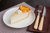 Cheesecake Dessert decorated with oranges and meringue — Stock Photo