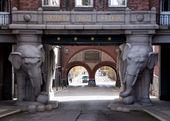 Monumental gate at Carlberg's brewery in Copenhagen. — Stockfoto