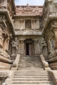 South entrance to the Karpa Graham of Gangaikunda Temple. — Stock Photo
