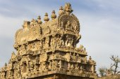Apex of the Gopuram over entrance gate. — Стоковое фото