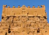 Kumbam on top of entrance Gopuram at Brihadeswarar temple. — Foto de Stock